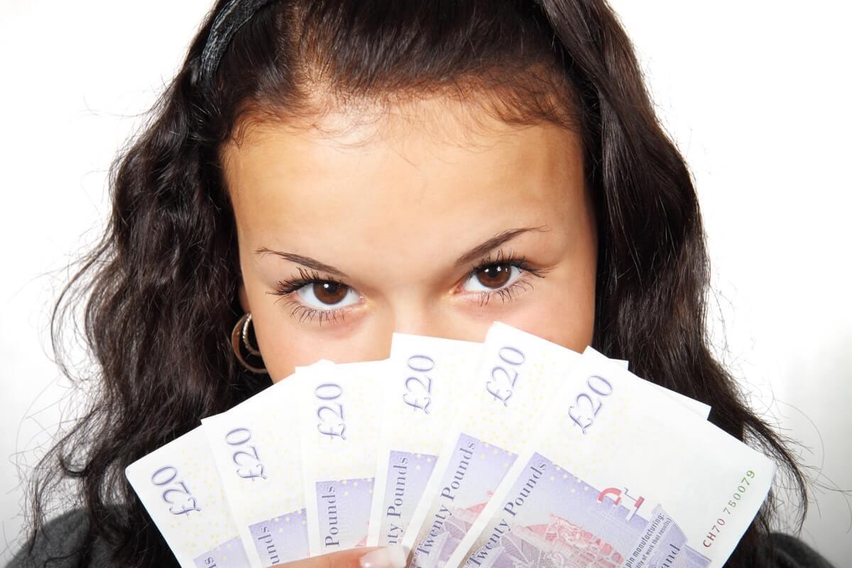 save-money-on-holidays