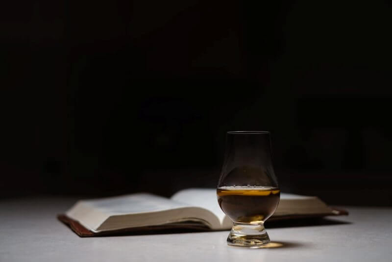 drink whisky glass