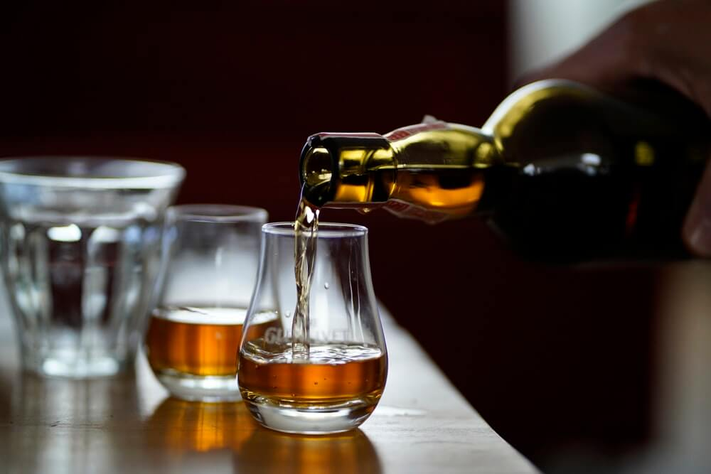 drinking whisky tips