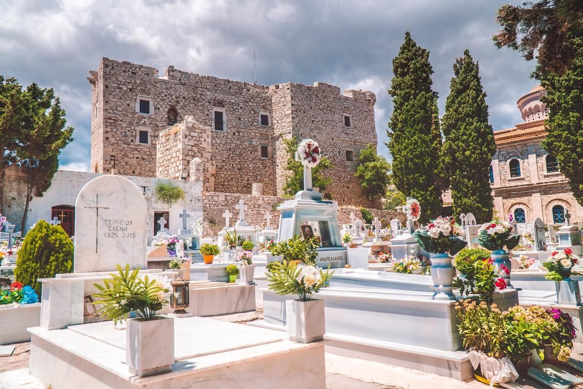 memorial looking for headstones